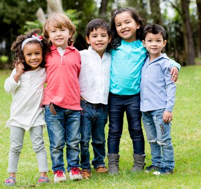 children-together-on-the-grass-first-aid-course-for-young-people-CPR-emergency-save-a-life-help-oxfordshire-england-united-kingdom-UK-saveyu